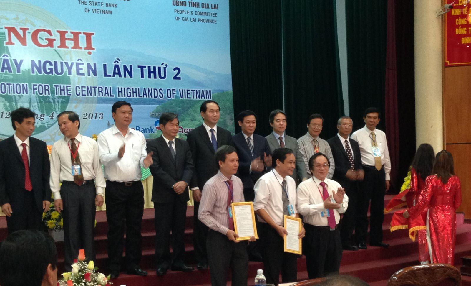 Trao giay phep Dak Nong 2